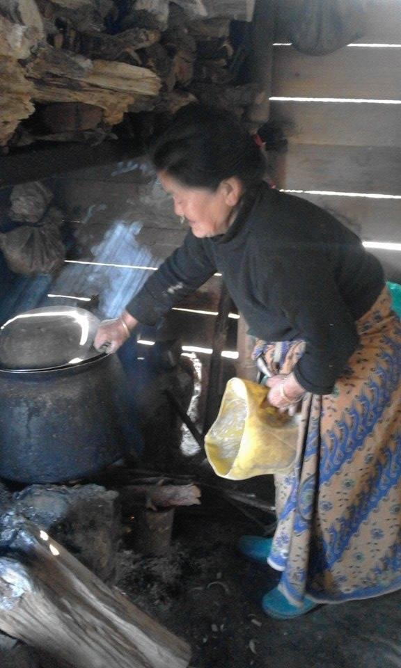 Tj2_ART_NEPAL_TeaGrower_PurimaRai_12_cowshed